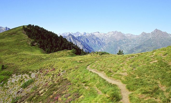 Randonner dans les hautes pyr n es randonn es hautes pyr n es ffrandonn e - Office tourisme hautes pyrenees ...