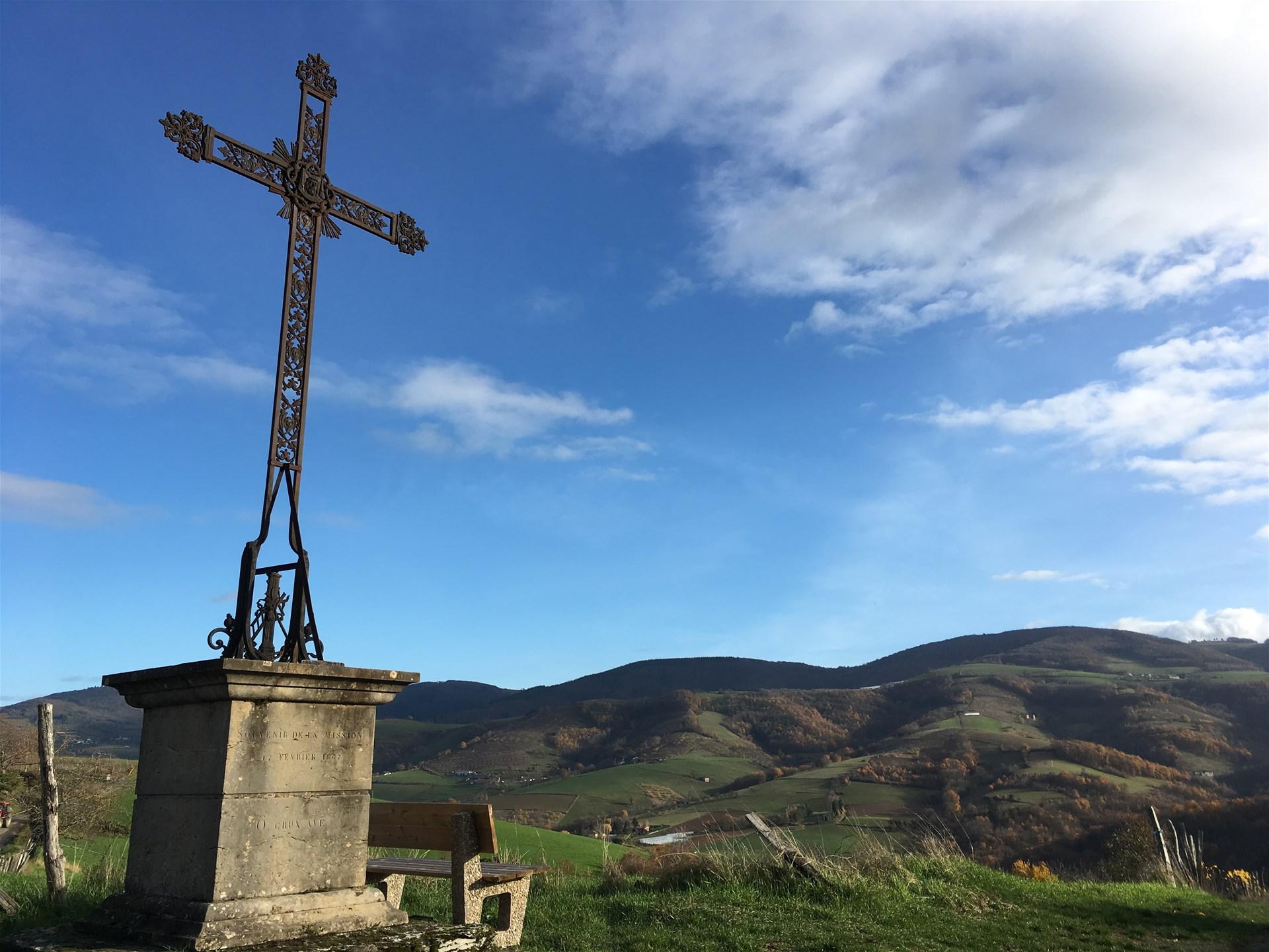 ffrandonnee rhone chemin de montaigne brussieu