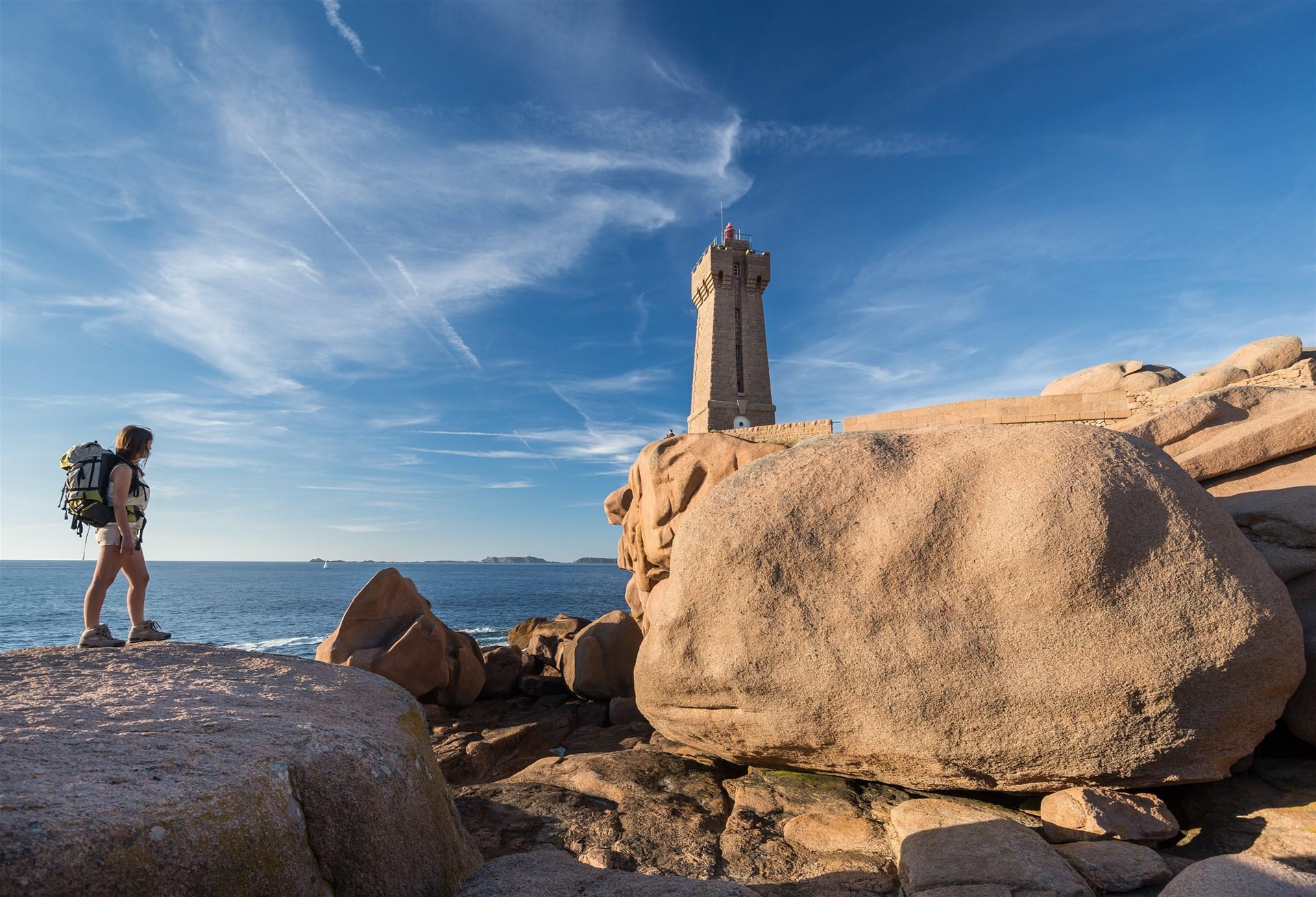 FFRandonnée - Bretagne - Destinations Touristiques - randonnée - côte de granit rose