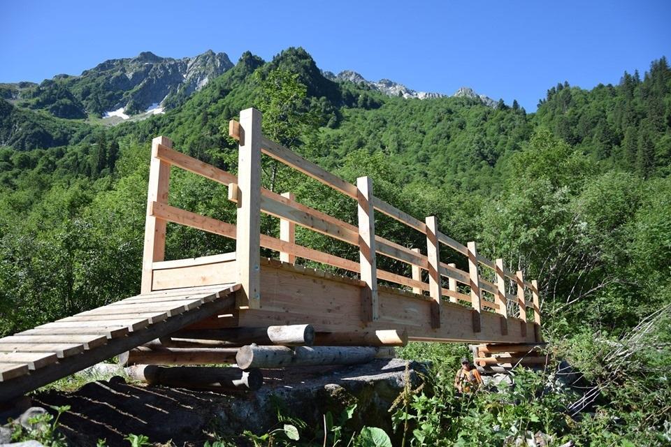 GR®738 - Belledonne : La passerelle sur le Bens de nouveau praticable